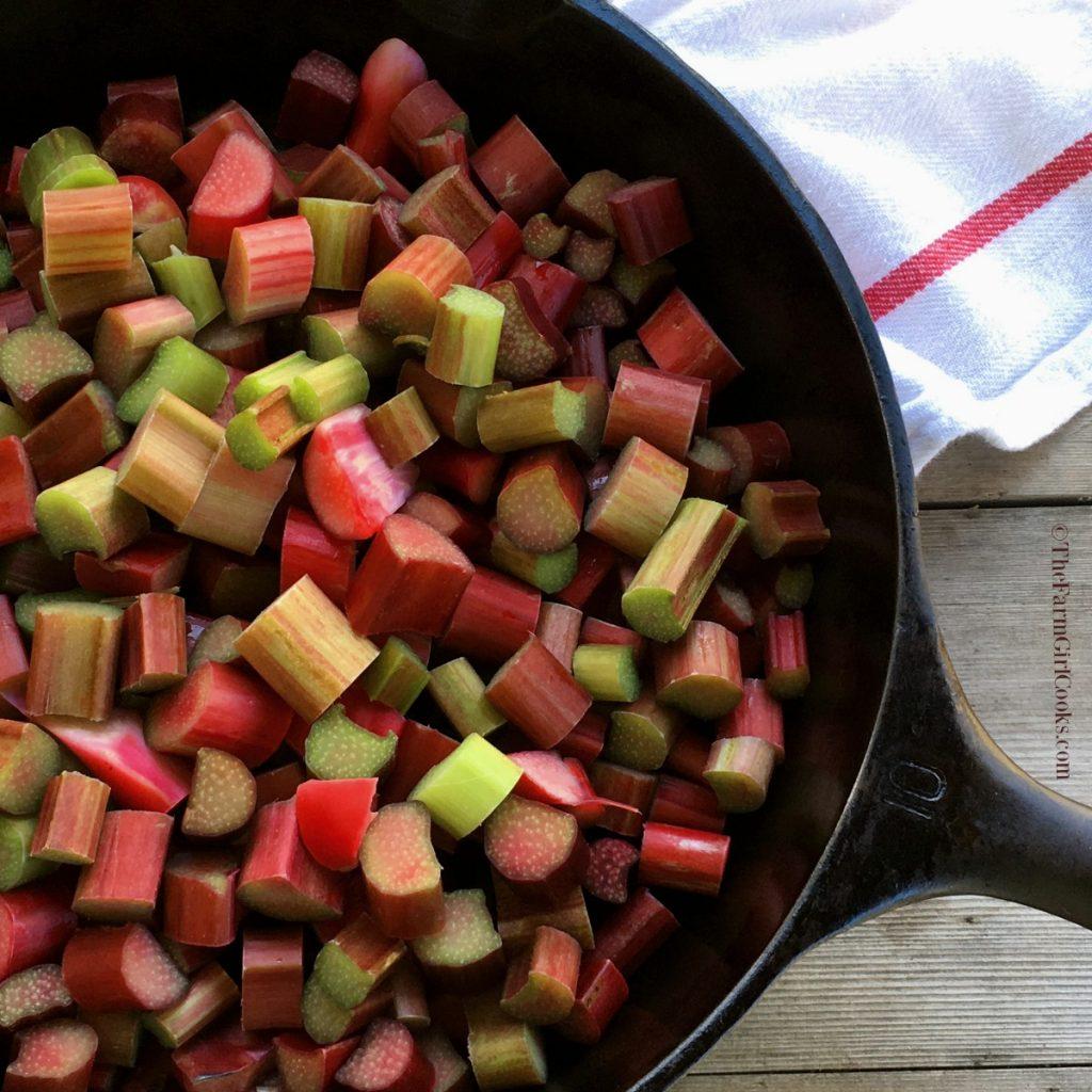 Rhubarb pan
